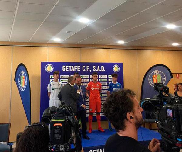 Presentación de la nueva equipación del Getafe CF
